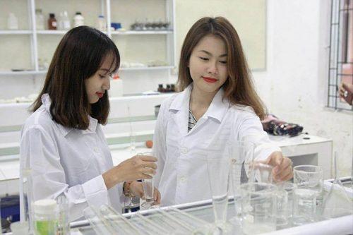 Nhà trường luôn chú trọng đầu tư các ngành mũi nhọn của Bộ Y tế