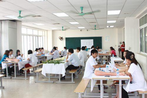 Nhà trường tạo điều kiện cho các thí sinh có thể tham gia khóa học ngoài giờ hành chính