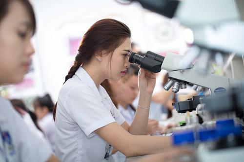 Học Cao đẳng Xét nghiệm có nhiều cơ hội tìm kiếm việc làm